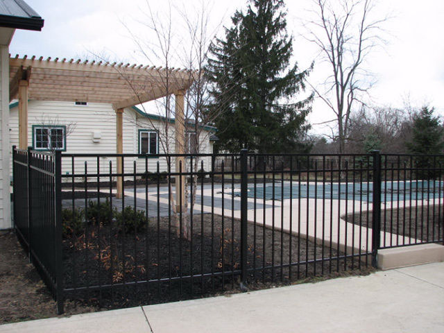 01-Aluminum fence in Columbus