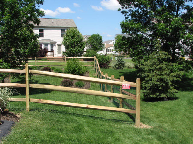 01-Split rail fence in Columbus