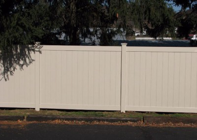 02-Residential vinyl privacy fence in Pickerington