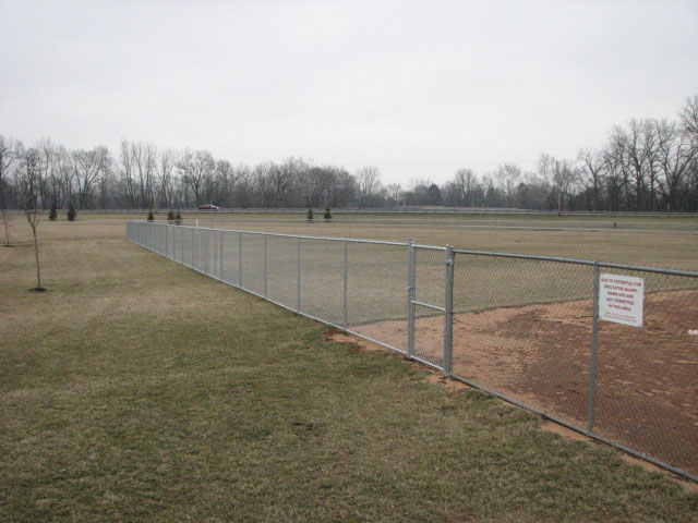 04-Commercial chainlink fence in Canal Winchester