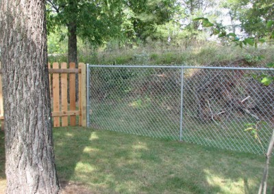 04-Residential chainlink and wood fence in Canal Winchester