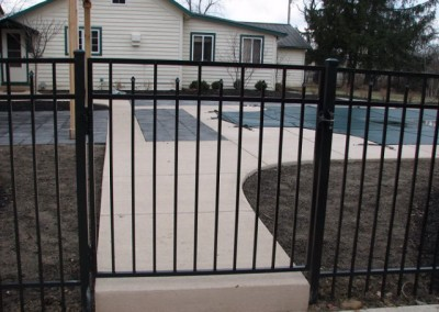 06-Aluminum fence in Pickerington