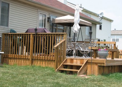 06-Deck fence in Canal Winchester