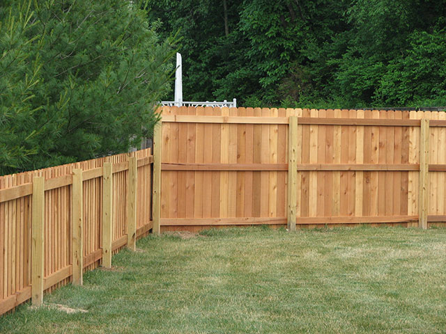 07-4 ft and 6 ft combined privacy fence in Columbus
