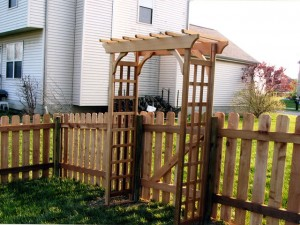 Pergola gate and fence in Pickerington